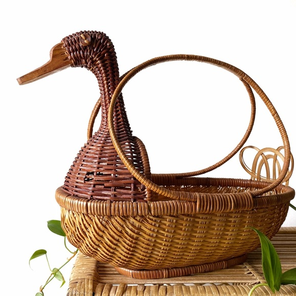 Large Retro Wicker Duck Planter Basket with Handle